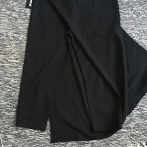 Betabrand Pants - Betabrand NWT Black Sassiest Pants Skirt Large